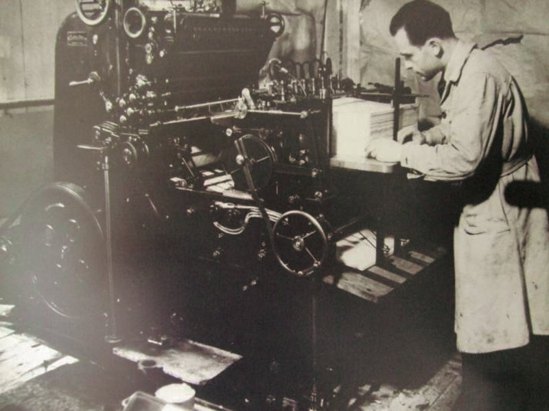 Founder Lars Andreas Larsen making puzzles on one of our first machines